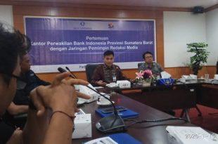 Kepala Bank Indonesia Perwakilan Sumbar, Wahyu Purnama A berdiskusi dengan JPS di Gedung BI Perwakilan Sumbar
