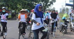 Ratusan Pengguna Sepeda Onthel Kumpul di Kinali