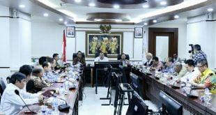 Antisipasi Pelambatan Ekonomi, Ketua DPD Kumpulkan Ketua Kadin Provinsi se Indonesia