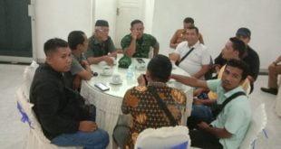 Dandim 0305 Pasaman Letkol INF Ahmad Aziz bersilaturahmi dengan Insan Pers
