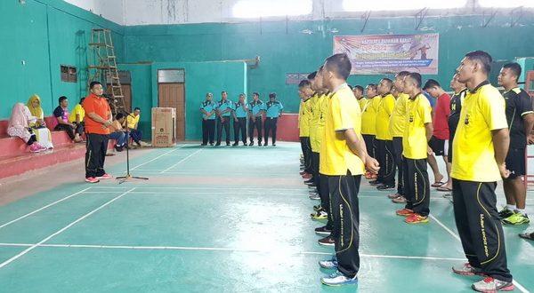 Kapolres Pasaman Barat AKBP Fery Herlambang membuka secara resmi Turnamen Bulu Tangkis Kapolres Cup 2020
