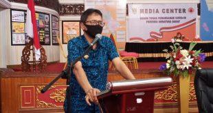 Gubernur Sumbar Irwan Prayitno, memimpin Rapat Koordinasi Teknis Percepatan Penanganan dan Pencegahan Covid-19 di Sumbar yang dilaksanakan di Aula Kantor Gubernur, Rabu (8/4/2020