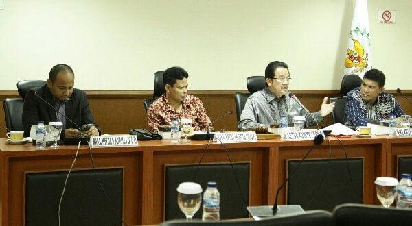 Komite I Dewan Perwakilan Daerah Republik Indonesia (DPD RI) menggelar Rapat Dengar Pendapat Umum (RDPU) dengan sejumlah pakar tata kota dan perencanaan pembangunan dengan agenda membahas rencana pemindahaan Ibu Kota Negara