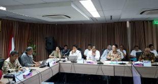 Kepala Badan Perencanaan Pembangunan Daerah Pasaman Barat, Jon Hendri saat membahas Pelabuhan Teluk Tapang di Simpang Empat