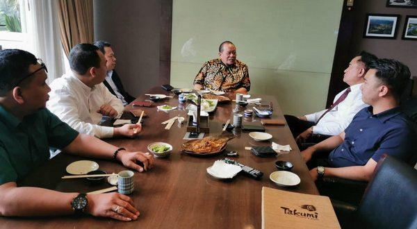 Ketua DPD RI La Nyalla Mahmud Mataliti bersama Yusril Ihza Mahendra