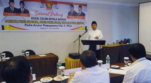 Taslim Sampaikan visi dan misi bakal calon bupati Agam di Partai Gerindra