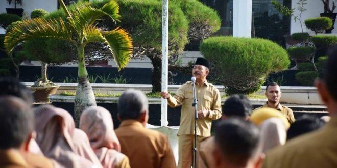 Wakil Bupati Tanah Datar Zuldafri Darma pimpin apel pagi gabungan