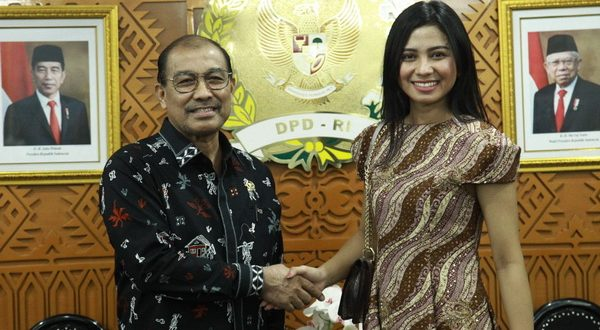 Wakil Ketua I DPD RI Nono Sampono saat menerima Audiensi dengan Yoan Clara Teken