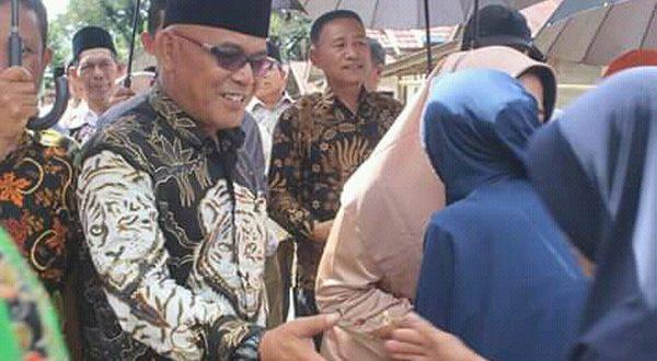 Bupati H. Yulianto tinjau kondisi masyarakat Jorong Mudiak Simpang Nagari Persiapan Simpang Timbo Abu Kajai, Kecamatan Talamau Kabupaten Pasaman Barat,