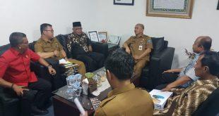 Bupati Pasbar, Yulianto didampingi OPD terkait dalam Pemekaran Nagari serta Tim Pemekaran Biro Pemerintahan Provinsi Sumbar kawal langsung proses penyerahan berkas nagari pemekaran se-Pasbar ke Dirjen Pemerintahan Desa Kemdagri di Jakarta, Senin (3/2/2020)