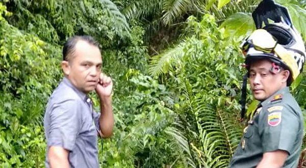 Dandim melihat kondisi awal lokasi sebelum dimulainya kegiatan TNI Manunggal Masuk Desa
