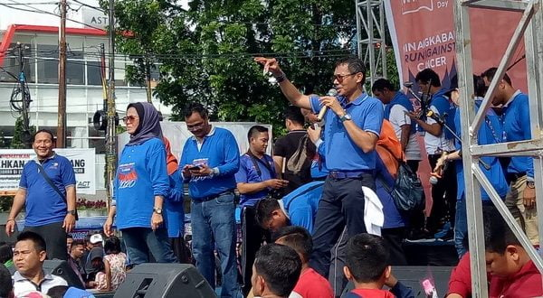 Gubernur Sumatera Barat Irwan Prayitno saat memberi sambutan pada acara Peringatan Hari Kanker se Dunia tahun 2020 tingkat Nasional di Sumatera Barat, Khatib Sulaiman Padang, Minggu (16/2/2020)