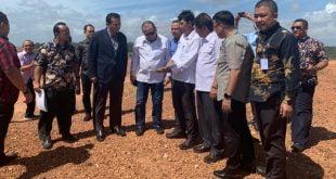 Ketua DPD RI AA LaNyalla Mahmud Mattalitti beserta sejumlah Senator menyempatkan diri meninjau langsung titik lokasi rencana tiang pancang pembangunan Jembatan Batam-Bintang di Kota Batam, Kamis (6/2/2020) pagi.