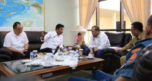 Ketua DPD RI La Nyalla Mahmud Mattalitti saat meninjau secara langsung Rencana perluasan Bandara Hang Nadim Batam