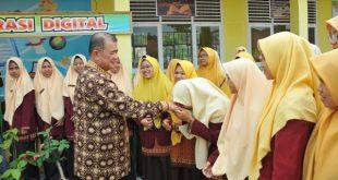 Wakil Gubernur Sumatera Barat Nasrul Abit lakukan kunjungan beberapa SMA dan SMK di Kabupaten Limapuluh Kota