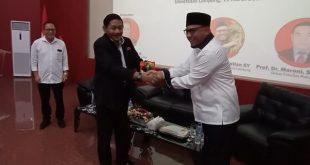 Anggota DPD RI Dapil Lampung, Ahmad Bastian saat menjadi salah satu narasumber FGD yang di gelar di auditorium Prof. Abdulkadir Muhammad,S.H., Fakultas Hukum Universitas Lampung