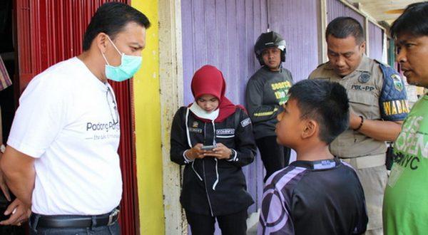Ketua Satgas PPVC Padang Panjang Sonny Budaya Putra pantau anak anak yang keluyuran