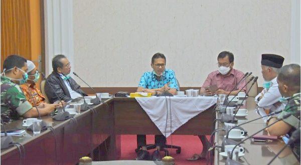 Rapat Koordinasi Pemprov Sumbar bersama Pemko Padang dan KUB (foto Humas Pemprov Sumbar / Spirit Sumbar)