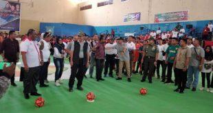 Wakil Ketua DPD RI Nono Sampono membuka Turnamen Futsal Melati Raya Cup III di Gedung Olahraga (GOR) Pancasila Sorong, Papua Barat,