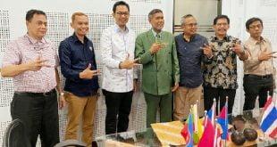 Komisioner Komisi Penyiaran Indonesia (KPI) Pusat, Yuliandre Darwis saat berkunjung ke Universitas Hasanuddin, Makasar (11/3/2020).