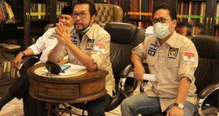 Ketua Komite II DPD RI Yorrys Raweyai, bersama Wakil Ketua Abdullah Puteh dan Hasan Basri saat RDPU melalui virtual meeting dengan BNPB, Jakarta, Kamis (23/4/2020).
