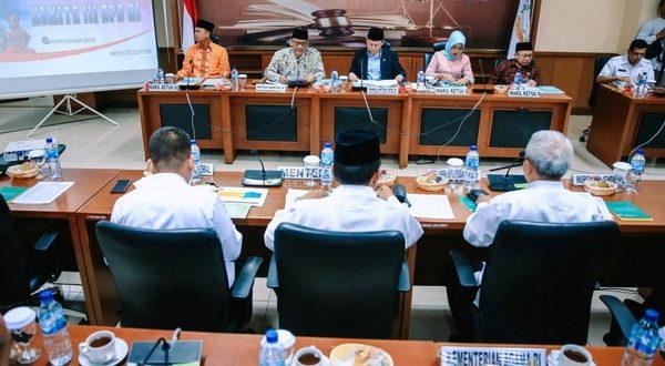Rapat Komite III DPD RI