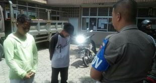 Satpol PP Padang dua remaja peminta minta di perempatan jalan