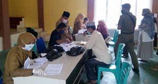 penyerahan Insentif untuk 2.100 guru Lembaga Pendidikan Al Qur'an (LPA) dan 323 orang Petugas Masjid (Gharin)