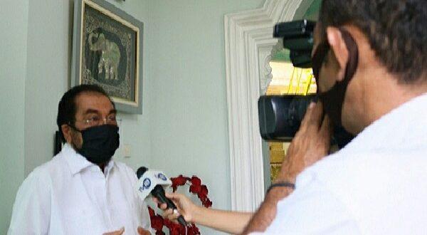 H. Leonardy Harmainy Dt. Bandaro Basa, S.IP., MH saat wawancara dengan TVRI Sumbar (foto hms - spirit sumbar)