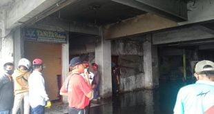 Koppas Plaza Pasar Raya Padang terbakar. (ist)