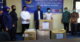 DPW Partai NasDem serahkan bantuan APD pada tenaga kesehatan