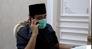 Walikota Fadly Amran beri semangat melelui telepon dokter yang dinyatakan positif corona