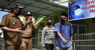 Wawako Padang Hendri Septa saat meninjau Kampung Tangguh