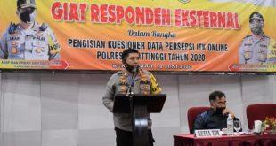 Kapolres Bukittinggi AKBP Iman Pribadi Santoso, SIK. MH memberikan sambutan saat acara responden eksternal