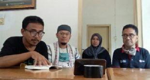 Koordinator Tim IKA Unand Call for Paper, Ilhamsyah Mirman sesaat setelah rapat membahas penerbitan buku dan diskusi webinar menjelang peluncurannya.