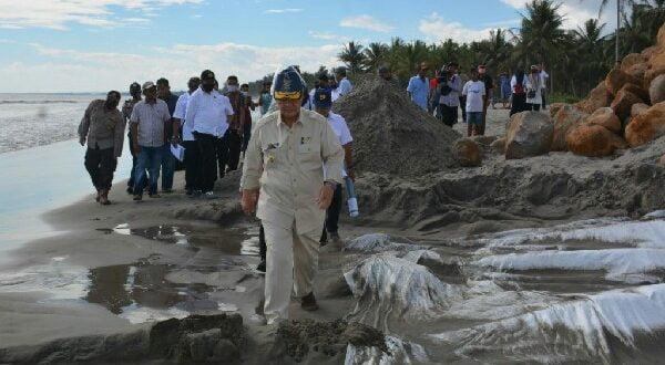Akrab Dengan Abrasi, Nasrul Abit Pulang Kampung Bangun Pengamanan Pantai
