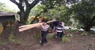 Kapolres  Apri Wibowo Sumbang Pembangunan Rumah Kakek Nuzuwar