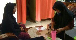 Wajah Berbinar, Tangan Gemetar, Buruh Cuci Itu Serahkan Uang Tanda Peserta Kurban
