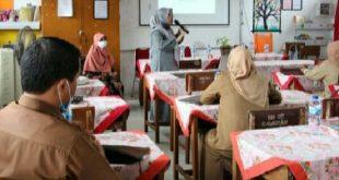 Jurusan Bahasa Inggris PNP Lakukan PPKM di SDN 01 Sawahan Padang