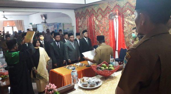 Pelantikan dan pengambilan sumpah 9 orang anggota Bamus Nagari Aia Gadang