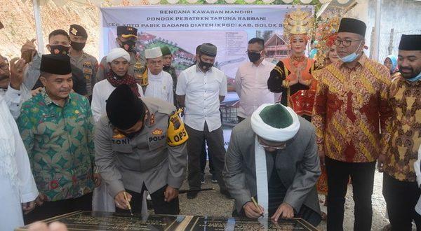 Peletakan batu pertama Pondok Pesantren (ponpes) yang memadukan konsep konsep keagamaan dan bela negara pada Kamis 6 Agustus 2020
