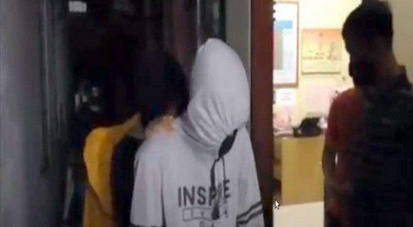 Tiga pelaku pemerkosa diamankan aparat kepolisian (foto situs berita viva)