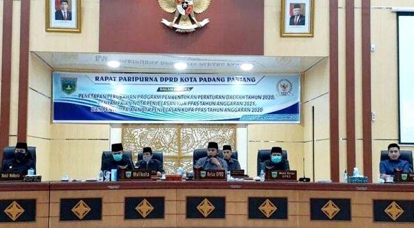 Rapat Paripurna DPRD Kota Padang Panjang