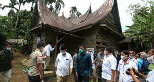 Pertemuan Calon Gubernur dari Partai Gerindra Nasrul Abit dengan warga Nagari Padang Air Dingin, Kecamatan Sangir Jujuhan, Kabupaten Solok Selatan, Senin 26 Oktober 2020 ( Dok. Tim Media Pemenangan NA-IC)