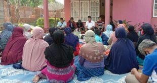 Calon Bupati Agam, Taslim. Dt Tambogo saat bertemu kelompok usaha bersama Banang Ameh Kanagarian Panampuang, IV Angkek