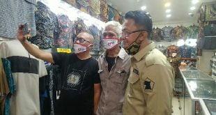 Calon Wakil Gubernur Sumbar, Indra Catri, berkeliling di Pasar Ateh Bukittinggi