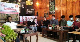 Calon Wakil Gubernur Sumatera Barat, Indra Catri, nongkrong dengan generasi milenial di Kedai Teras Muzaka