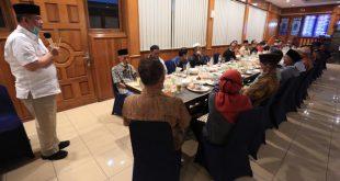 Puluhan tuo silek dari berbagai perguruan Padang Pariaman menyatakan sikap mendukung pasangan nomor urut 2 untuk menjadi Gubernur dan Wakil Gubernur Sumbar
