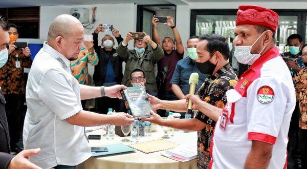Ketua DPD RI AA LaNyalla Mahmud Mattalitti saat menerima audiensi Dewan Pimpinan Nasional (DPN) Gerakan Cinta Indonesia (Gercin)