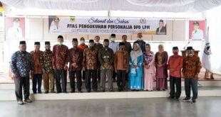 Pjs. Bupati Erman Rahman saat acara pengukuhan jajaran Dewan Pimpinan Daerah (DPD) LPM Tanah Datar masa bhakti 2020- 2025